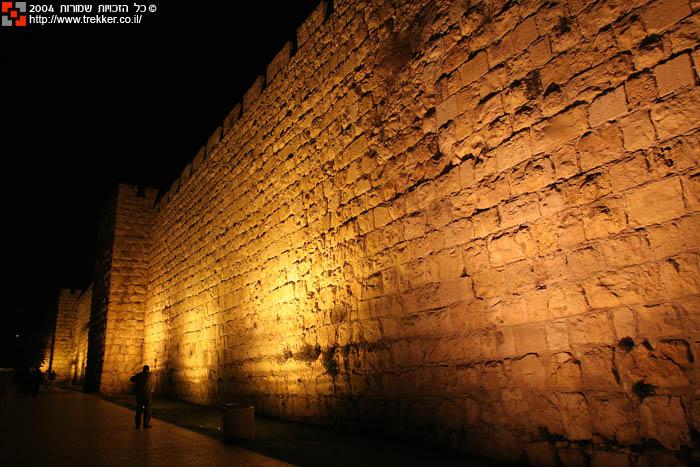 i-walls-06